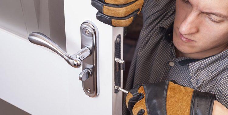 Comment trouver un bon serrurier pour le dépannage de votre maison