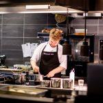 Dénicher une table inox comprendre les avantages pour un usage professionnel