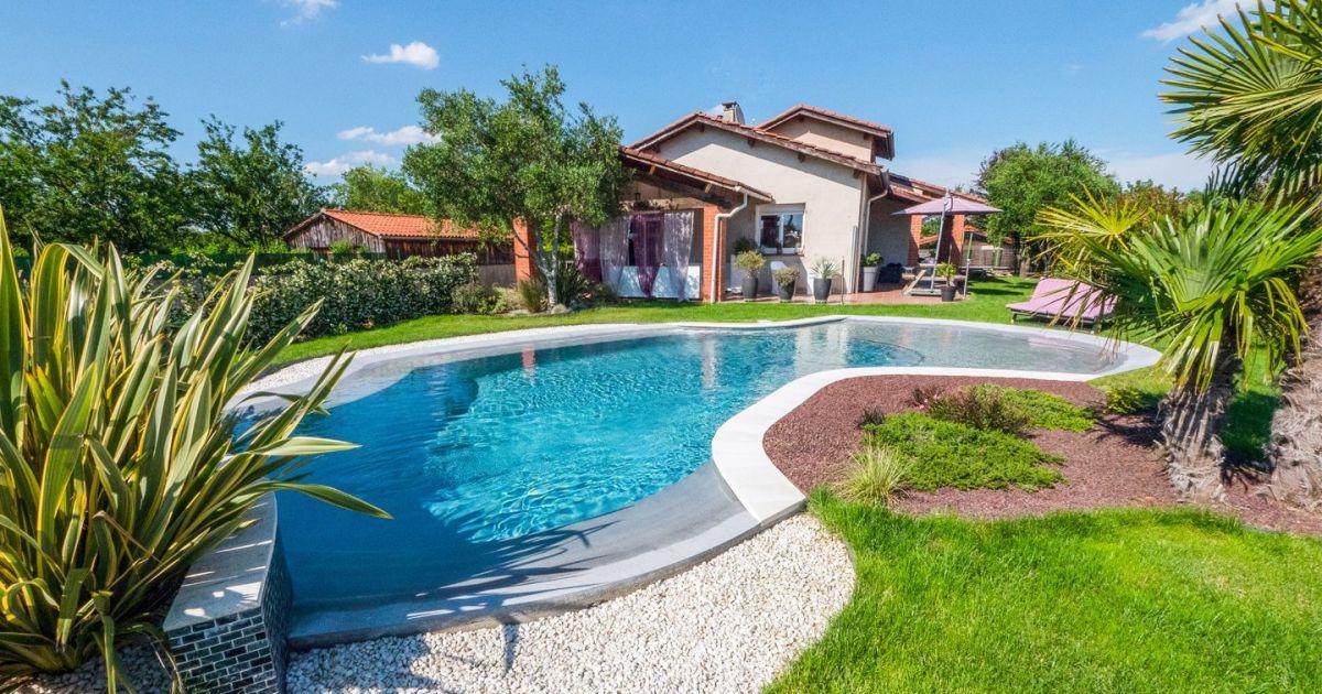 amenagement-de-jardin-avec-une-piscine