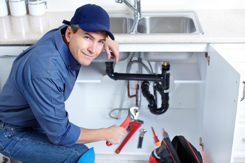 7 Causes courantes de fuite d'évier de cuisine