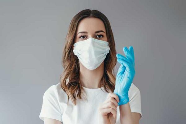 Fournir des masques et des gants jetables pour le bureau